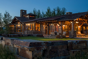 Western United States luxury log home