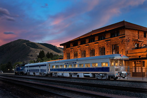 Silver Cloud private luxury historic rail car